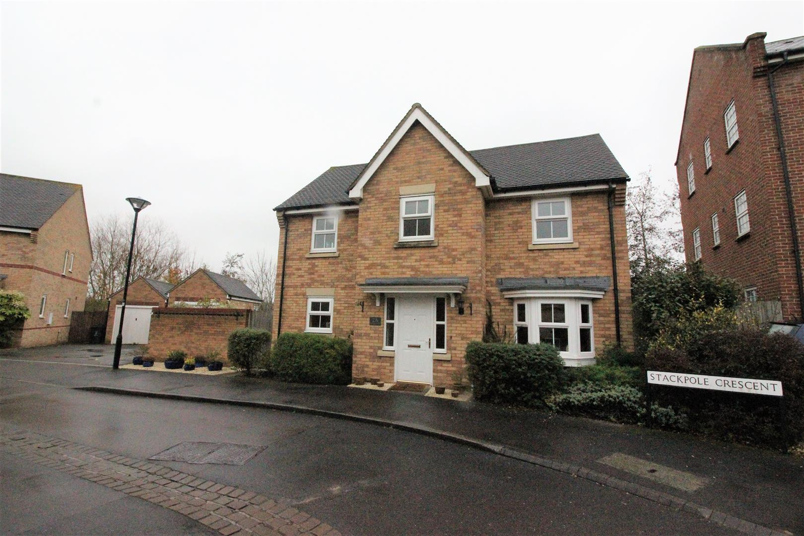 4 Bedrooms Detached House for sale in Stackpole Crescent, Swindon